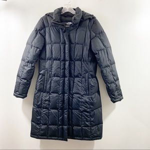 The North Face 550 Women's Black Long Puffer Coat Jacket Snap On Removable Hood